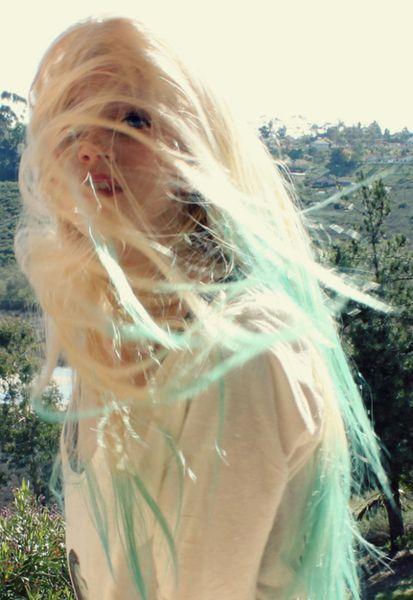 efekt ombre farbowanie włosów bibułą